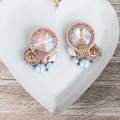 Małe kolczyki sutasz Ochre DeLite Swarovski przez SistermoonSisart naEtsy Swarovski, Etsy, Jewelry, Jewlery, Jewerly, Schmuck, Jewels, Jewelery, Fine Jewelry