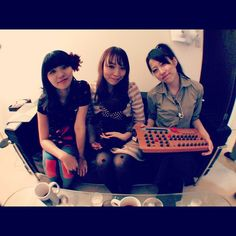 synth cafe girls ~ Waldorf Microwave XT