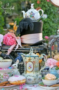 Ideas For Baby Shower Ideas Cheap Tea Parties Tea Party Theme, Alice In Wonderland Theme, Wonderland Party, Party Themes, Theme Ideas, Ideas Party, Decor Ideas, Center Pieces, Alice In Wonderland