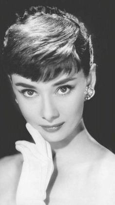 Audrey Hepburn 你真美。あなたはとても美しいです。by Michioflavia Golden Age Of Hollywood, Hollywood Glamour, Hollywood Actresses, Audrey Hepburn Photos, Audrey Hepburn Style, Roman Holiday, Actrices Hollywood, Classic Beauty, Portrait Photography
