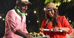 Join chef Marcus Samuelsson on an inspiring journey across the U. to explore and celebrate the wide-ranging diversity of immigrant traditions and cuisine woven into American food and culture. Global Food, Video On Demand, Tv Station, Episode Online, Reality Tv, Wonders Of The World, Passport, Explore, American