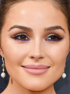 Close-up of Olivia Culpo at the 2016 Emmy Awards. http://beautyeditor.ca/2016/09/22/emmy-awards-2016