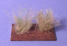 Making Tall Late Autumn/Winter Field Grass from Jute Twine Train Miniature, Miniature Plants, Modeling Techniques, Halloween Village, Model Train Layouts, Jute Twine, Model Trains, Scenery, Creations