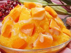 芒果冰―Shaved ice dessert flavored with Mango pulp and syrup