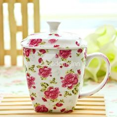 Romantic Roses with Green Leaves Ceramic Coffee Cup with Lid Gifts Ideas