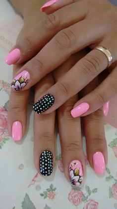 Flowers Nail Art New Idea for Spring – Reny styles in 2020 Fingernail Designs, Acrylic Nail Designs, Nail Art Designs, Acrylic Nails, Pretty Nail Designs, Flower Nail Designs, Flower Nail Art, Nail Designs Spring, Art Flowers