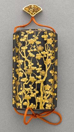 A gilt and black lacquer five-case inro century Decorated in gold hiramakie, takamakie and kirikane on a roiro ground with an overall pattern of flowering cherry branches, with nashiji interiors; together with a tinted ivory fan-shaped ojime carved w Natsume, Art Chinois, Art Asiatique, Art Japonais, Japanese Design, Japanese Chef, Japan Art, Nihon, Japanese Beauty
