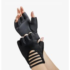 Lily Collins, Mafia Outfit, Deku Cosplay, Gloves Fashion, Black Leather Gloves, Cosplay Outfits, Teen Fashion Outfits, Ideias Fashion, Cute Outfits