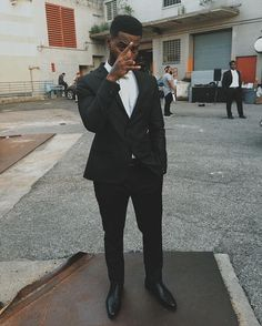 Bryson Tiller all dressed up in a suit
