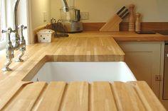 Muy buena mesada para tener en cuenta, para cambiarle la cara a tu cocina con la naturaleza de la madera