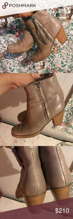 Acne Studios Pistol Boots Acne Studios Pistol Boots. Size 41. They are in great shape, but they do have wear to them. The biggest flaw is light scuffing on the left boot. Acne Shoes Ankle Boots & Booties