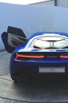 As i love blue as well as lamborghini. so this is an angel Lamborghini Asterion Maserati, Ferrari, Bugatti, Huracan Lamborghini, Lamborghini Diablo, Audi, Bmw, Porsche, Sexy Cars