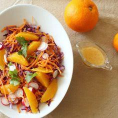 salade au chou rouge, carottes, radis, orange et sa vinaigrette à la clémentine