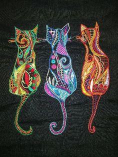 Cette portée de matous Glazig est de Frédérique Pichou, élève à Brest. Crewel Embroidery Kits, Hand Embroidery Designs, Embroidery Thread, Cross Stitch Embroidery, Embroidery Patterns, Machine Embroidery, Modern Cross Stitch Patterns, Lace Patterns, Quilt Patterns