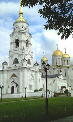 Assumption Cathedral was a venerated model for cathedrals all over Russia