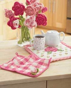 Rose Dishcloth and Potholder: free crochet patterns