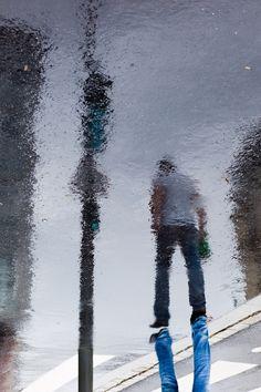 Rain reflection photos by Manuel Plantin - Yodamanu Umbrella Photography, Water Photography, Urban Photography, Artistic Photography, Street Photography, Landscape Photography, Fashion Photography, Wedding Photography, Reflection Photos