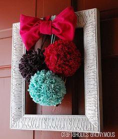 T-Shirt Pom Pom and Frame Wreath