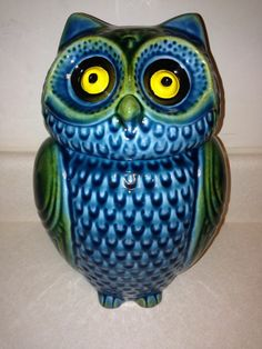ANTHROPOLOGIE OWL COOKIE JAR CANISTER VERY RARE & DISCONTINUED SOLD OUT! Owl Snacks, Ceramic Store, Owl Crafts, I Love You Mom, Canister Sets, Cute Owl, Candy Jars, Cookie Jars, Ceramic Pottery