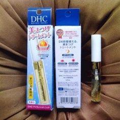 DHC Eyeles Tonic solusi bagi anda yang ingi mempunyai bulu mata lentik indah dan cantik terlihat lebih tebal, DHC Eyelash Tonic adalah sebuah serum pemanjang bulu mata, DHC Eyelash Tonic terbuat dari bahan herbal alami seperti saledri, lidah buaya dan tanaman herbal lain nya yang di formulasikan dan di timbang dengan akurat,
