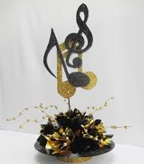 Creative Idea : Gold And Black Beautiful Musical Note Record Table . Music Centerpieces, Party Centerpieces, Music Party Decorations, Centerpiece Ideas, Table Decorations, Karaoke Party, Grad Parties, Birthday Parties, Motown Party