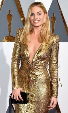 Margot Robbie Is a Golden Girl on Oscars 2016 Red Carpet: Photo Margot Robbie arrives at the 2016 Academy Awards held at the Dolby Theatre on Sunday (February in Hollywood. The Big Short actress wore a stunning Jennifer Hudson, Jennifer Lawrence, Jennifer Lopez, Margot Robbie Fotos, Margot Robbie Oscars, Margot Robbie Pictures, Julie Delpy, Jena Malone, Ashley Tisdale