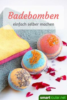Sparkling bath bombs make simple household remedies yourself- Sprudelnde Badebomben selber machen aus einfachen Hausmitteln Who does not like to enjoy a relaxing full bath that … - Pot Mason Diy, Mason Jar Crafts, Mason Jars, Galaxy Bath Bombs, Bomb Making, Diy Wall Shelves, Simple House, Diy Flowers, Diy Beauty