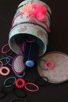DIY Headband Holder, bathroom organization, girl's room organization