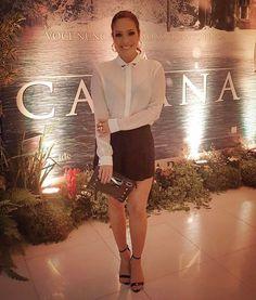 "Ontem foi a #préestréia do filme ""A Cabana"" .. 🍿🎥🎬 #lookdodia @guguribeiroo 😉  Brincos - @laramader_joias  Anéis - @camilaherzfeldt  Look - @ellusjeansdeluxe  Bolsa - @jorgebischoff  Sandália - @schutzoficial"