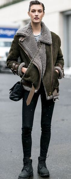 Trending: How to wear a shearling jacket | Best Top 40 ideas