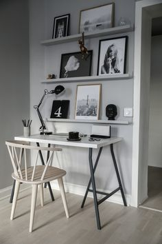You won't mind getting work done with a home office like one of these. See these 20 inspiring photos for the best decorating and office design ideas for your home office, office furniture, home office ideas Home Office Design, Home Office Decor, House Design, Office Table, Office Designs, Office Workspace, Bedroom Office, Masculine Home Offices, Home Office Furniture