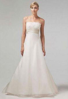 Monique Lhuillier 'Bliss' 0902 Wedding Dress - Nearly Newlywed Wedding Dress Shop