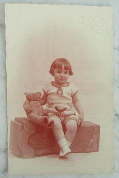 Old Teddy Bears, Vintage Teddy Bears, Vintage Children Photos, Brown Bear, Old Friends, Old Photos, History, Gallery, Postcards