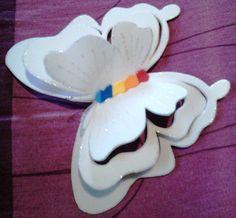 Borboletas,borboletas e mais borboletas,kkkk  Amo borboletas,e essas eu fiz para enfeitar a mesa do bolo de uma amiga muito querida,que amaa...