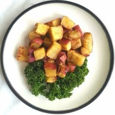 Keeping it simple with this dish. The Oriental Sweet Potato, also known as Batata orthe Japanese Sweet Potato, has a very similar nutritional composition to the sweet potato, but has a sli…