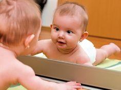 Spiele mit dem Spiegel für Ein- bis Zweijährige - Mamiweb.de