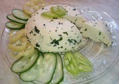 Házi sajt tejből és tejfölből recept foto Homemade Frosting, Homemade Playdough, Baby Food Recipes, Cucumber, Potato Salad, Cheese, Vegetables, Breakfast, Ethnic Recipes