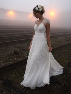 Romantic wedding dress--just fix the sleeve a little...