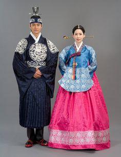 hollyebok-korean-hanbok-couple