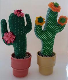 Houseplants for Better Sleep Hermosos Dyi Flowers, Handmade Flowers, Felt Flowers, Cactus Craft, Cactus Decor, Felt Crafts Diy, Felt Diy, Cactus E Suculentas, Crochet Cactus