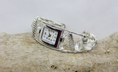 montre blanche Square Watch, Jewelry Bracelets, Watches, Accessories, Clocks, White Watches, Clock, Ornament