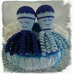 """Dit zijn de inktvisjes """" Mr  en Ms  blue"""" , gemaakt door Tineke Luurtsema."""
