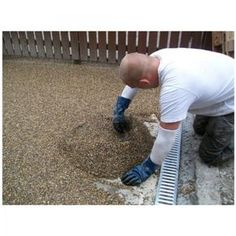 Resin Bonded Driveways, Patios and Pathways Gallery - Resin Drives Driveway Design, Driveway Landscaping, Driveway Ideas, Interior Paint Colors, Paint Colors For Home, Concrete Driveways, Concrete Floors, Pea Shingle, Driveway Materials