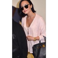 Demi Lovato arriving at an airport in Sydney, Australia - August 8th<<pinning this stuff makes me feel like a stalker but hey why not