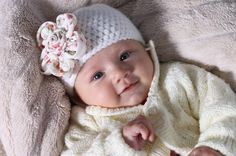 Crochet newborn baby girl beannie hat, photo prop, baby wear, winter hat. £8.00