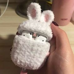 Cute Ipod Cases, Girly Phone Cases, Iphone Cases, Girly Things, Cool Things To Buy, Fluffy Phone Cases, Earphone Case, Airpod Case, Mobile Cases