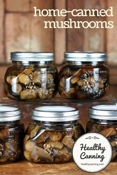 Canning mushrooms - not pickled. Home-canned mushrooms are delicious. Tinned mushrooms from the store are metallic tasting and rubbery-textured in comparison. Stuffed Mushrooms, Pickled Mushrooms Recipe, Freezing Mushrooms, Marinated Mushrooms, Home Canning Recipes, Cooking Recipes, Pressure Canning Recipes, Home Canning, Gastronomia