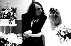 """Tiny Tim and 17 year old Vicki Budinger went """"tip-toeing through the tulips"""" in front of the whole country on December 17, 1969. Johnny Carson was the host ..."""