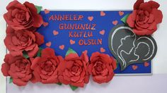 Bisaş ortaokulu anasınıfı anneler günü panosu. Summer Crafts, Diy And Crafts, Crafts For Kids, Mosaic Flowers, Paper Flowers, Mothers Day Crafts, Happy Mothers Day, Christian Bulletin Boards, Happy Mother's Day Card