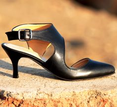 Buy Black Pumps@INR 1476 www.prideswalk.com